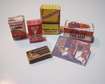Mini Vintage Kitchen Supplies