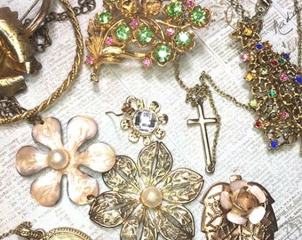 junk Jewelry -Gold