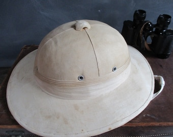 Pith helmet.Steampunk pith helmet.Expedition helmet.Explorers helmet.Steampunk fashion.Steampunk clothing.Vintage pith helmet.Steampunk.Nice