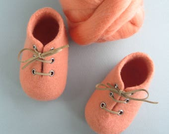 Felted baby shoes, baby shower, baby coming home, pregnancy reveal, NICKEL FREE eyelet, with LAMBELI label, newborn baby shoes, photo prop