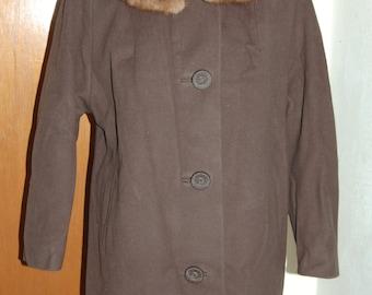 1950's ladies coat with fur collar.