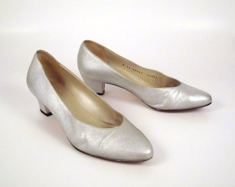 Bruno Magli Heels Vintage 1980s Metallic Silver Heels size 7 1/2