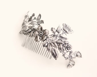 Silver floral comb, Metal flowers for hair, Silver roses, Bridal headpiece, Woodland wedding hair, Silver flower comb, Metal floral comb