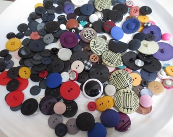 Misfit Buttons Mix Worn Assortment As Is 520 Pieces Bulk Destash Vintage and Newer