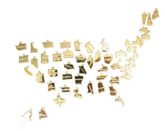 ENGRAVED - Tiny Gold Plated State Charms - (50x) (A450-C)