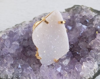 White Druzy Ring, Crystal Ring, White Crystal Ring, Large Gemstone Ring, Agate Geode Ring, Adjustable Ring, Gold Statement Ring, Gift G5-166