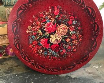 Pretty floral vintage tin
