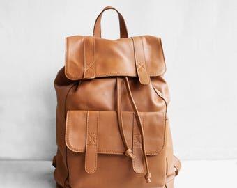 Sac à dos en Caramel brun en cuir / sac à dos en cuir sac à main en cuir sac à main cuir marron / grand sac à dos / marron sac à dos / sac à dos unisexe