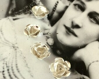 Small Rosebuds Snowy Silver (2 pc)