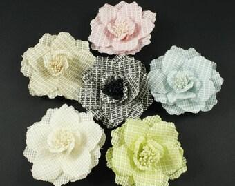 Set of 6 large flowers assorted colors 10cm diameter.