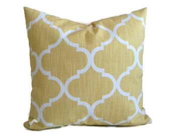 Quatrefoil Pillow, Sunshine Yellow White Throw Pillow Cushion Cover Decorative French Country Cottage Lattice Pillow, Accent Lumbar Pillow