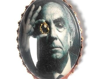 José Saramago hand embroidered brooch