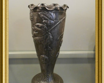 Art nouveau / jugendstil pewter vase