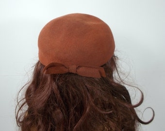 Vintage antique  brown wool felted chic woman lady pillbox hat with a stylish bow 50s