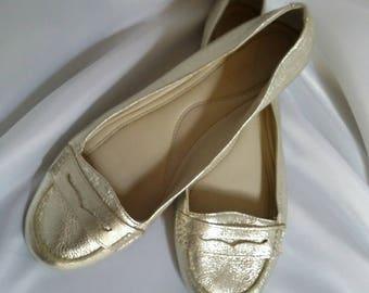 shop closing Womens Nine West metallic gold loafers gold leather loafers womens casual shoes size 7 1/2