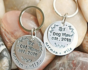 Cat Mom - Dog Mom Personalized Keychain - Customizable Keychain - Pet owner gift - Dog Mom Gift - Cat Mom Gift - Mother's day Gift - Unisex