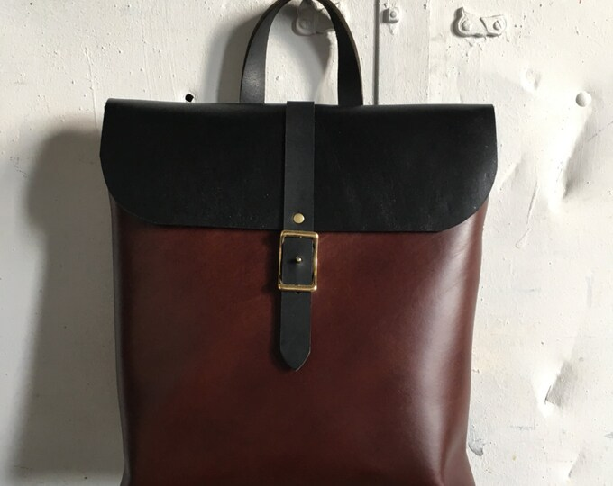 Pacific rucksack in black and cherry
