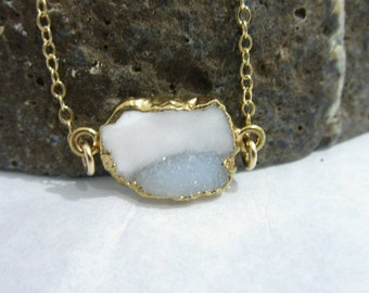 Druzy necklace agate necklace  agate pendant two tone gemstone jewelry crystal jewelry natural stone grey white