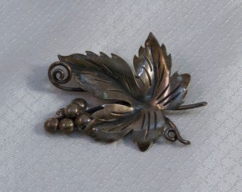 c1950's Taxco Sterling Leaf and Berries Brooch, Eagle 3 Registration