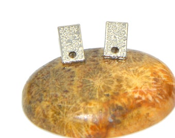 4 12x06mm silver hammered bar earrings