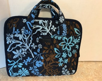 Vera Bradley Quilted Fabric Hanging Travel Toileties Organizer Bag-Nice!!