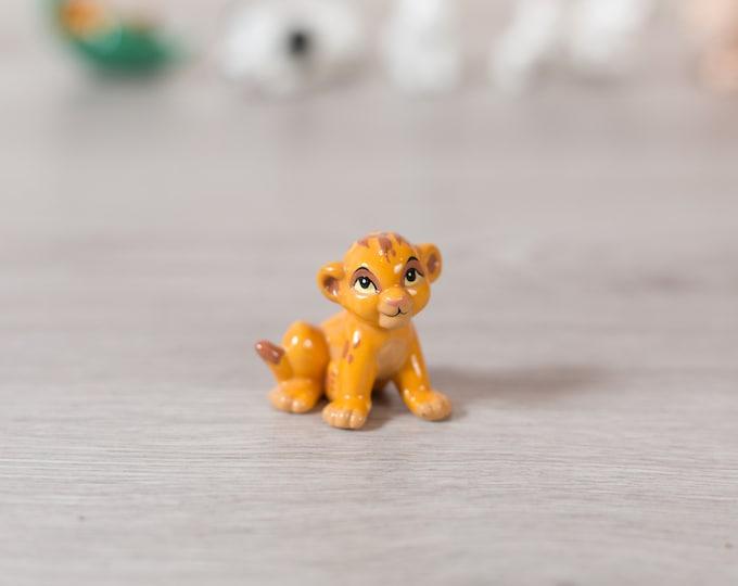 Simba Cub Figurine - Vintage Disney Lion King Porcelain China Glazed Ceramic Novelty Toy Statue