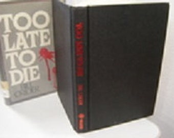 Too Late to Die by Bill Crider   First edition. Hard cover. Walker & Company, New York, NY (1986)