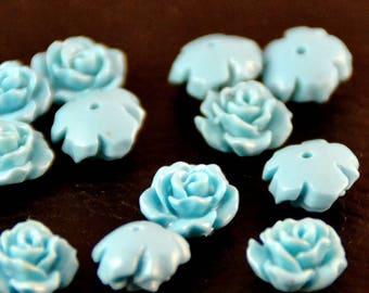 X 4 magnificent flowers, 1 x0.5 cm turquoise cabochons
