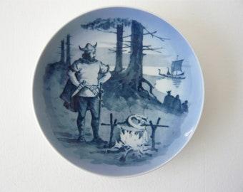 """Royal Copenhagen Porcelain Blue and White Plate 1974 Viking 7"""" Plate DAK ROSKILDE Denmark"""