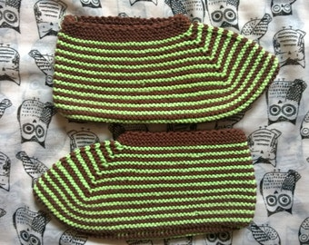 Vintage handknitted home slippers/Winter slippers/Winter socks/Brown and green slippers