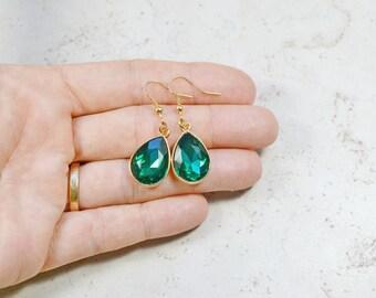 Emerald Green Crystal Earrings, Green Rhinestone Teardrops, Faux Diamond Style Jewels, Estate Style Jewelry, Gold Drops