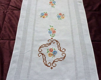 vintage embroidered table runner Roses Flowers Cross Stitch  tablecloth floral embroidery flowers rose