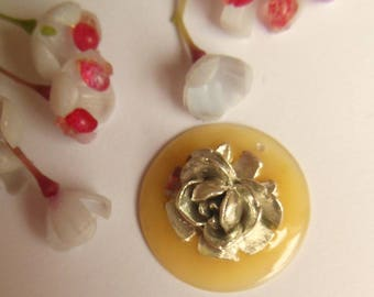 pretty Locket charm and silver metal rose