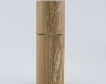 Spices and peppermill grinder in Pear wood ,Cylinder style with rod mechanisme  7 in item no: 725