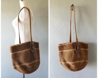 oversize sisal market bag - vintage 80s tonal brown woven straw summer crossbody purse - leather handle - hippie boho beach bag - 1980s tote