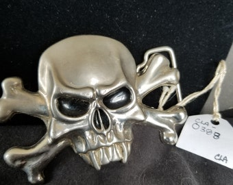 Belt Buckle- skull and cross bones large and heavy