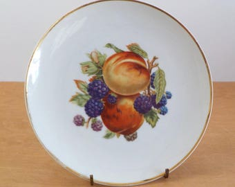Vintage Fruit Plate • Peaches and Blackberries Plate • Decorative Gold Trim Single Plate