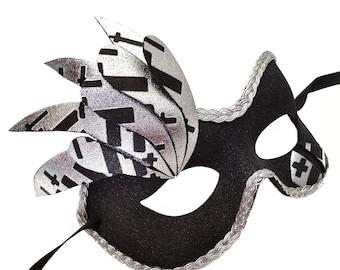 Gothic Beauty Black Maskquerade Mask U154
