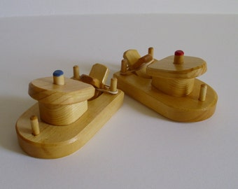 2 Small Wooden Paddle Tug Boats, Rubber Band Powered Bathtub Boat, Handmade Waldorf Toy, Kids gift, Jacobs Wooden Toys