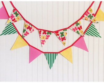 Butterfly Bunting Banner, Banner Set, Party Decor, Baby Shower Decor, Nursery Decor, Photo Prop, Fabric Bunting, Pennant Banner, Bunting