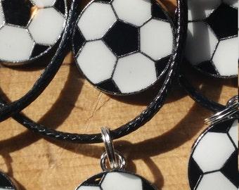 Lot de 10 Party Favors colliers ballon de Soccer charme bijoux Breloques métal livraison gratuite
