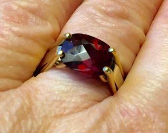 SALE Modernist 18K Garnet Ring Size 6.5 Rich Faceted Oval Garnet Heavy Custom Made Ring Alternative Wedding Ring 9-10 grams TW Size 6.5