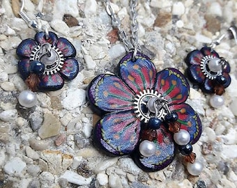 Set blue and red flowers polymer clay beads and steampunk.