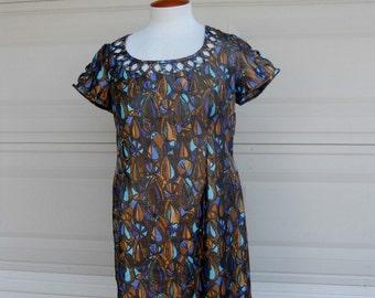 SALE Vintage 60s Cut Work Lurex Summer Dress . Stained Glass Print Size M-L