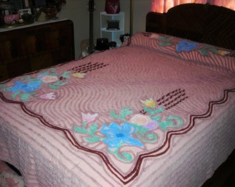 Vintage 1940s Full Chenille Bedspread - Double - 87 x 97-linens -bedspreads,vintage bedding,Historical chenille bedspread,bedroom decor.