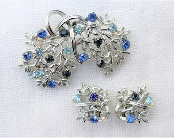 CORO - 1960s Demi-parure - Rhodium-plated Leafy Brooch With Three Shades of Blue Diamanté and Matching Clip-on Earrings