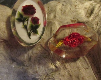 Vintage Lucite Pair of Brooches Pins Floral Roses Retro Jewelry 1950's