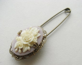 Victorian Flower Brooch, Lilac Flower Brooch, Creamy Flower, Lace Filigree