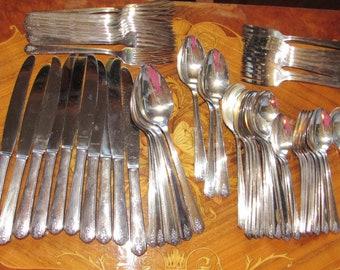 "Oneida Silver Plate Flatware Set 69 Pc Set Pattern "" Linda "" Utensils, Dining, Kitchenware,"