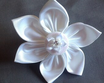 White Satin Wedding Flower for Girl Dog or Cat Collar